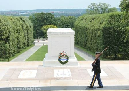 Guard at Tomb of Unknown Soldiers (Arlington National Cemetery)